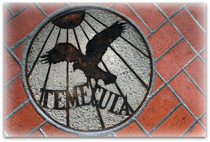 Temecula eagle at winery entrance