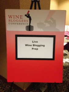 WINEormous Live Wine Bloggin