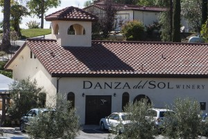 WINEormous at Danza del Sol