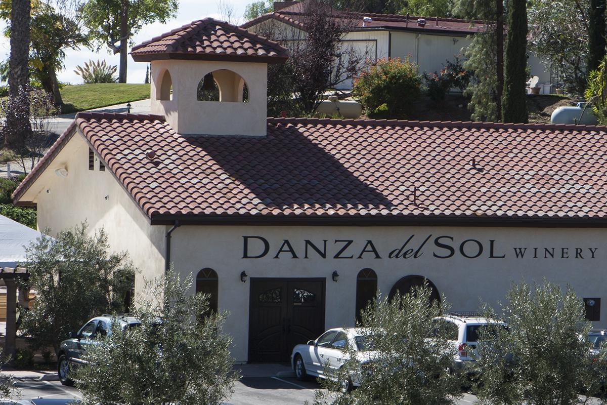 WINEormous at Danza del Sol