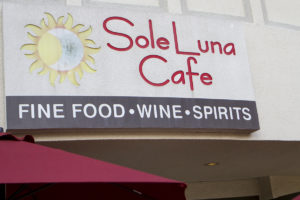 WINEormous at Sole Luna