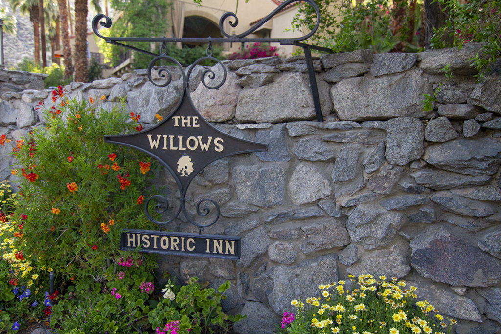 tour Temecula wineries at willows historic palm springs inn